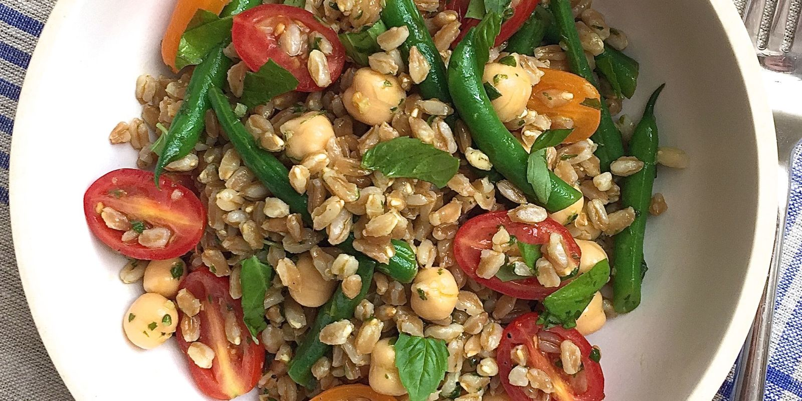 Best Farro Salad with Tomatoes, Green Beans, and Chickpeas with Basil ...