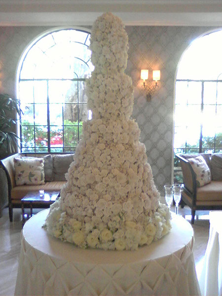 Outrageous and Crazy Wedding Cakes Pictures Delishcom