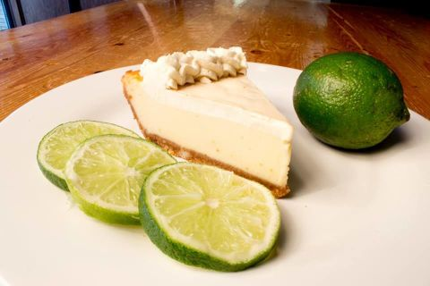 I've been dying to share this recipe with you guys! Believe it or not, I haven't had a whole lot of success with actual cheesecakes. Yes, I've made a few in the past, .
