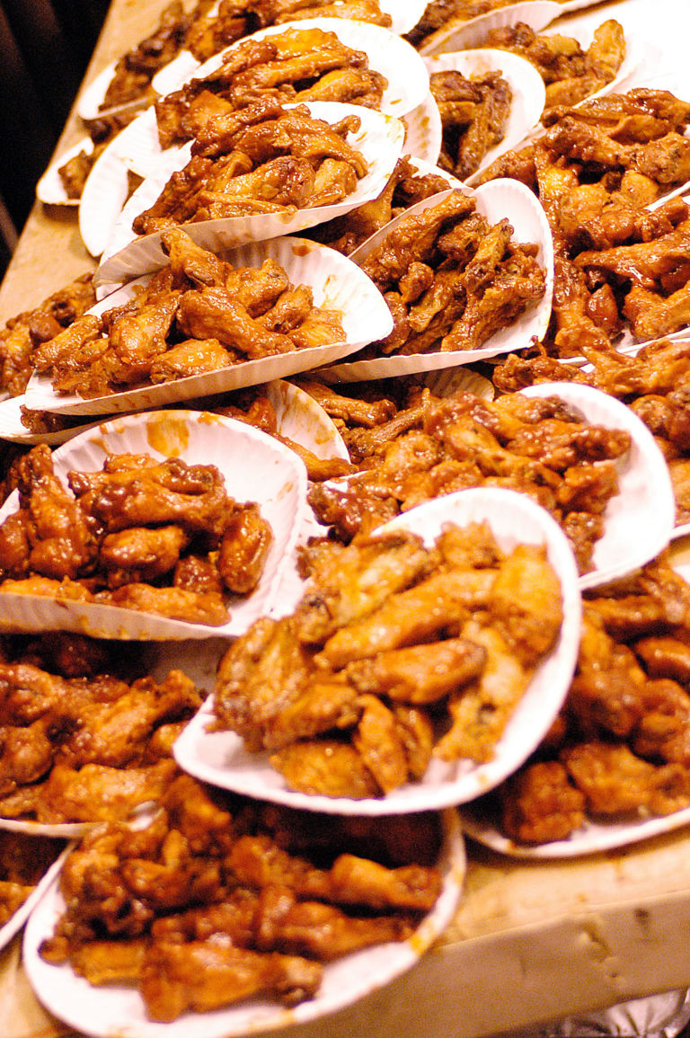 Here\u0027s Where To Eat Free Chicken Wings All Day Today