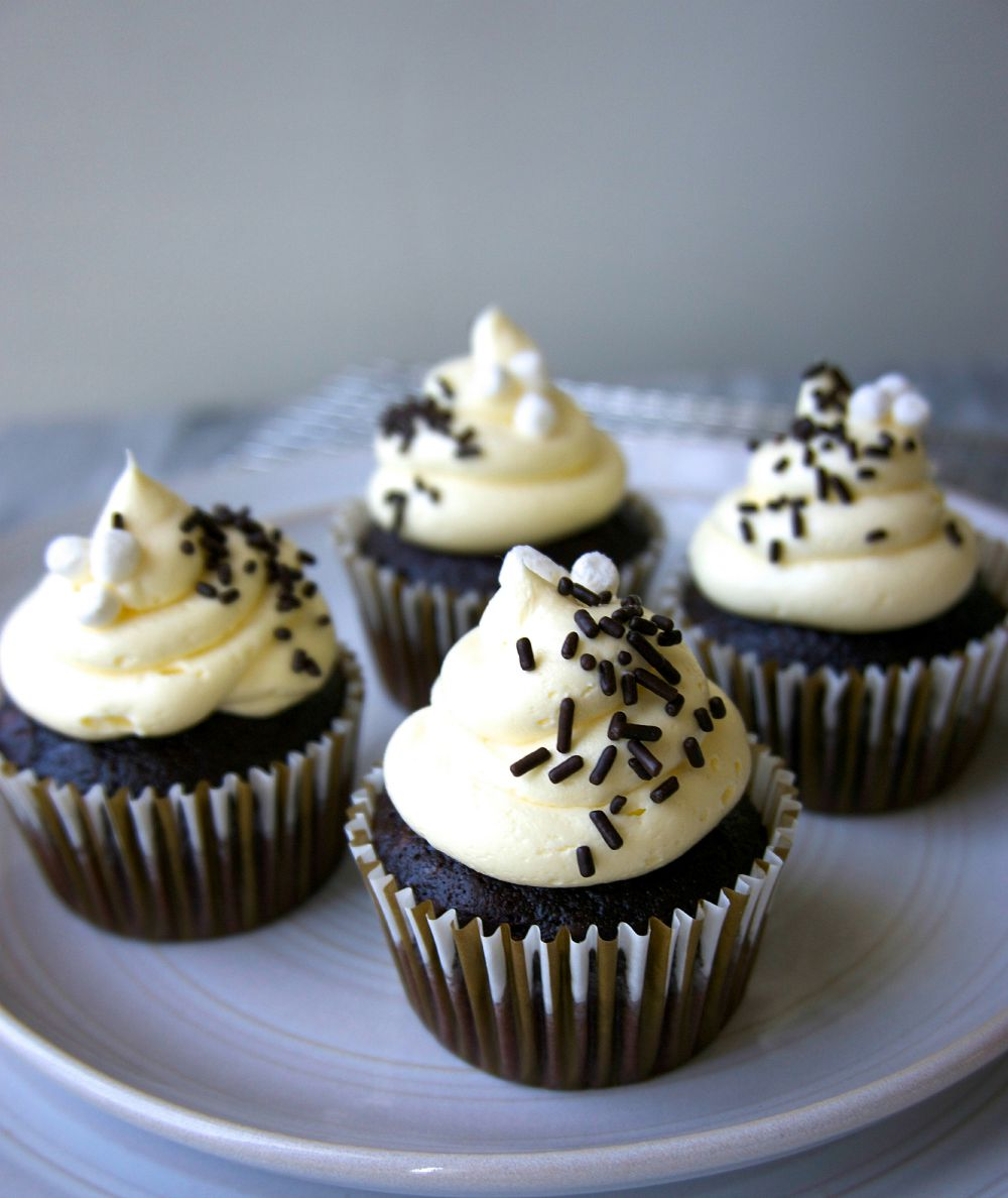 Best Chocolate Cupcakes Recipe-How to Make Chocolate Cupcakes ...