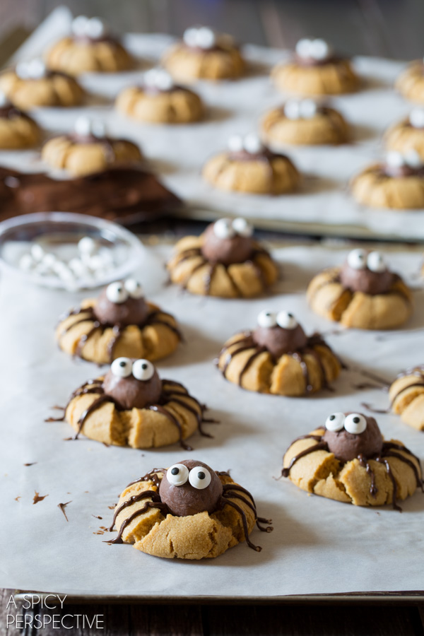 20 easy halloween cookies easy recipes ideas for halloween cookies delishcom - Easy Halloween Cookie Ideas