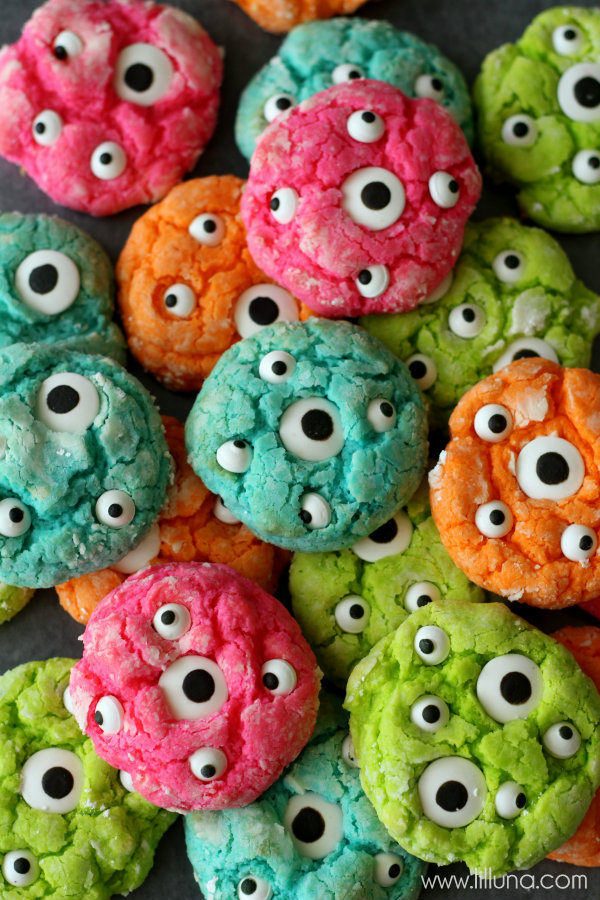 20 easy halloween cookies easy recipes ideas for halloween cookiesdelishcom - Halloween Bakery Ideas
