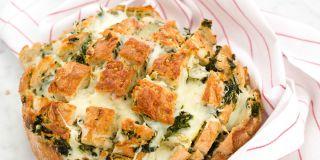 Spinach and artichoke pull apart bread