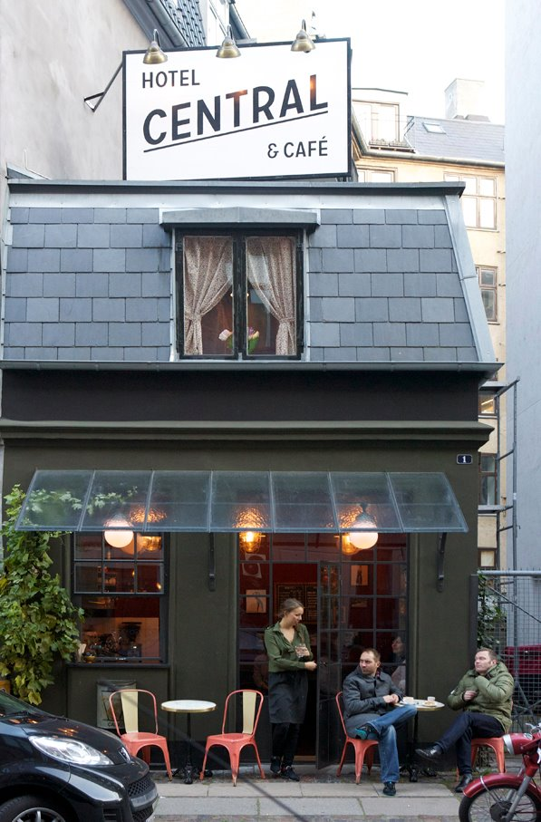 World S Tiniest Restaurants Tiny Cafes