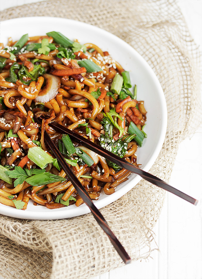 20 best asian noodle recipes easy ways to cook asian noodles 20 best asian noodle recipes easy ways to cook asian noodlesdelish forumfinder Images