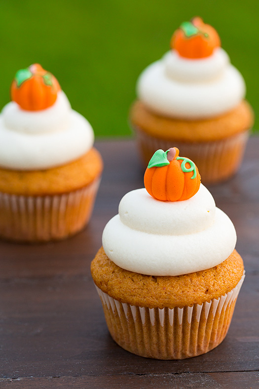 Pumpkin Cupcake Recipes 17 easy thanksgiving cupcake recipes -cute homemade cupcake ideas