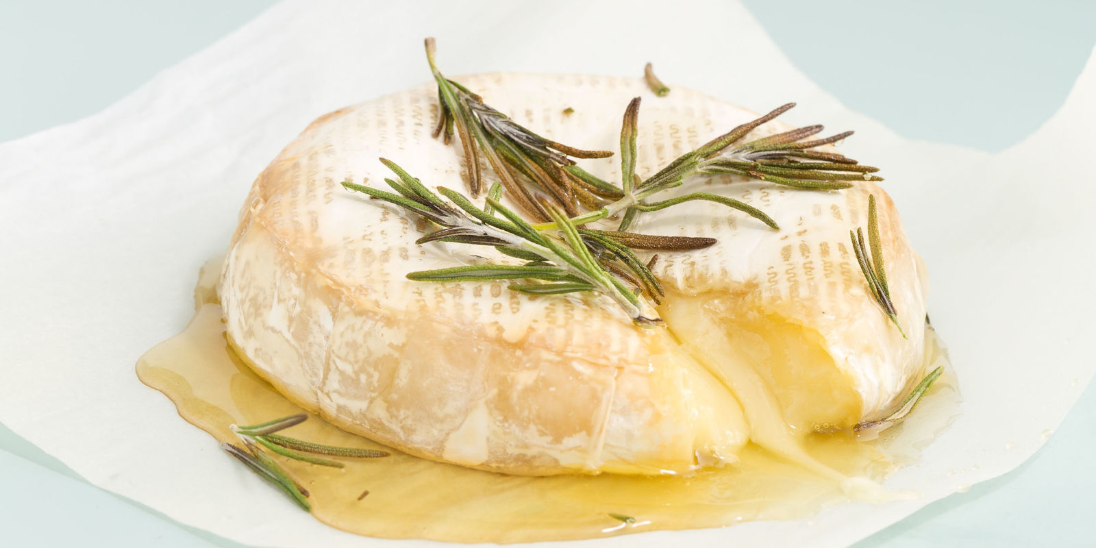 11 Easy Baked Brie Recipes-How to Make Baked Brie Cheese ...