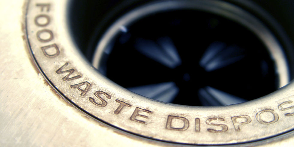 things that you should never put in the garbage disposal - food