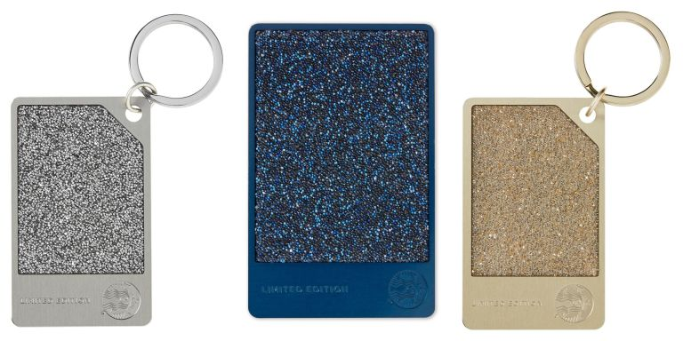 Starbucks sells out its 200 gift cards starbucks swarovski gift starbucks swarovski crystal cards negle Gallery