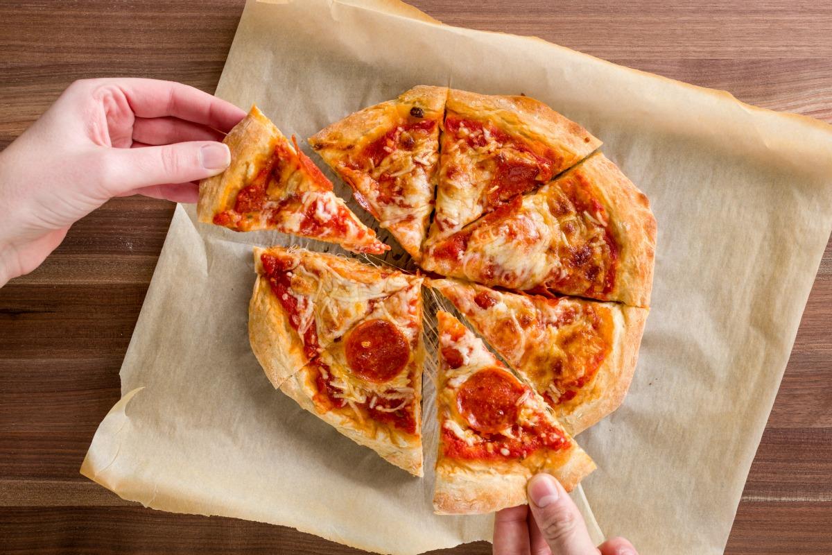Как сделать пиццу по проще