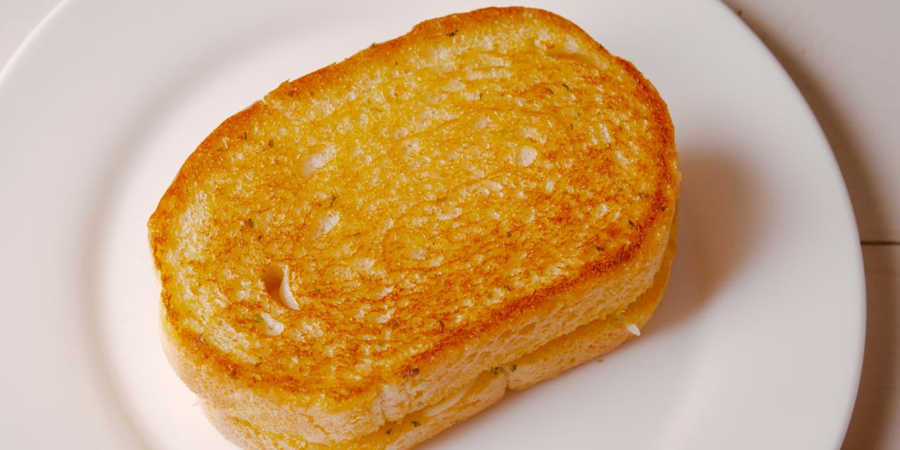 Best Garlic Bread Grilled Cheese Recipe