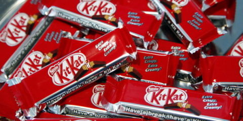 Kit Kat wafer-less bar may end in a lawsuit for Nestle.