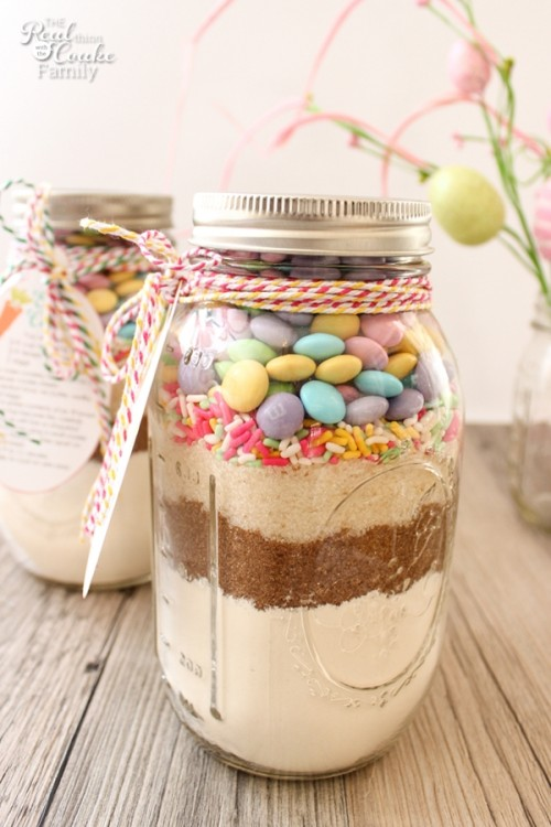 20 homemade easter basket gift ideas food gifts for easter 20 homemade easter basket gift ideas food gifts for easterdelish negle Image collections