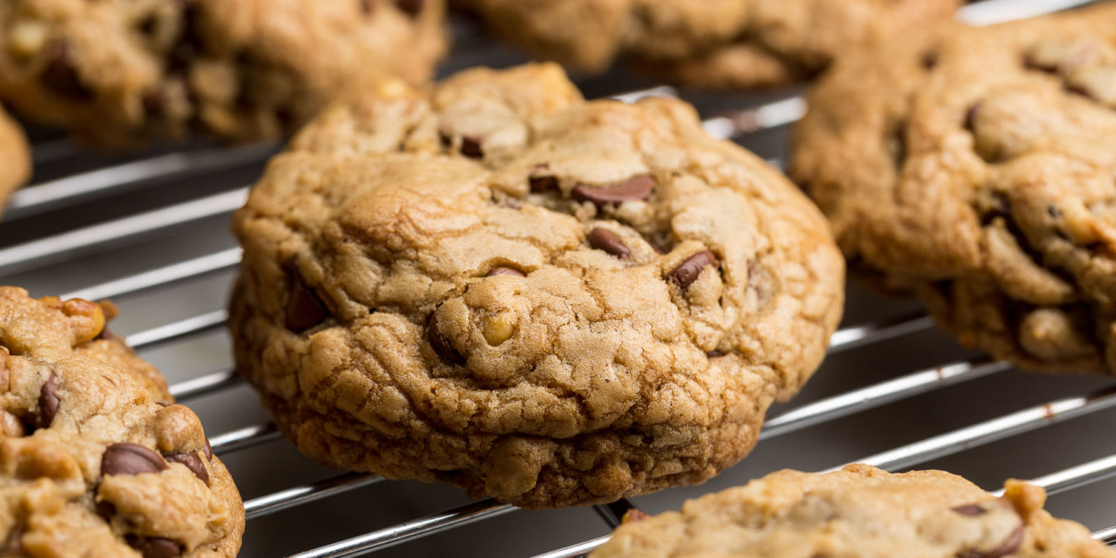 Copycat DoubleTree Chocolate Chip Cookies Recipe - DoubleTree Cookies ...