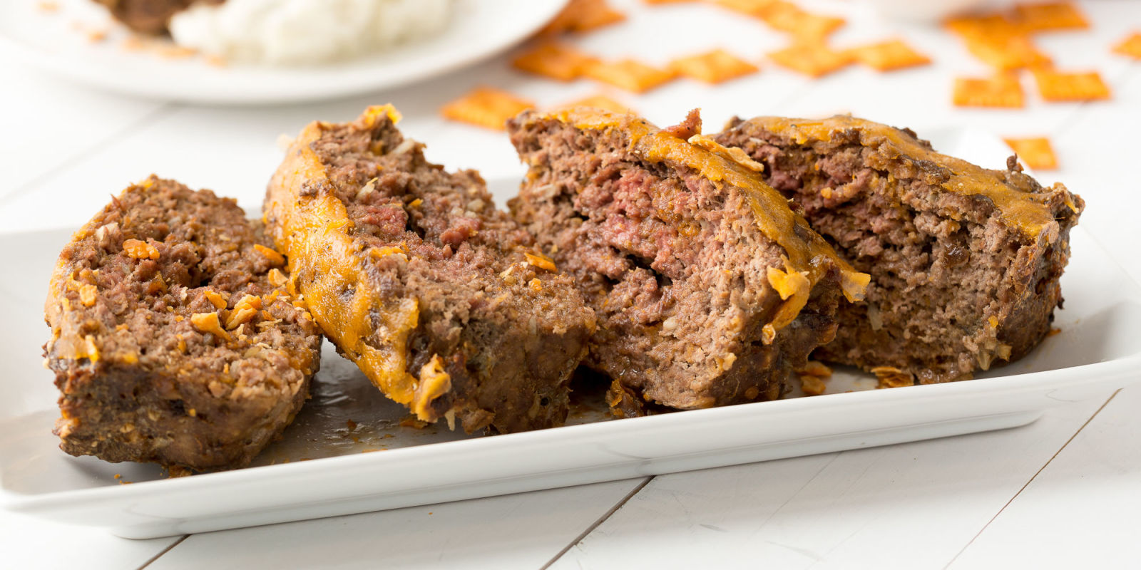 how to make meatloaf with eggs and crackers