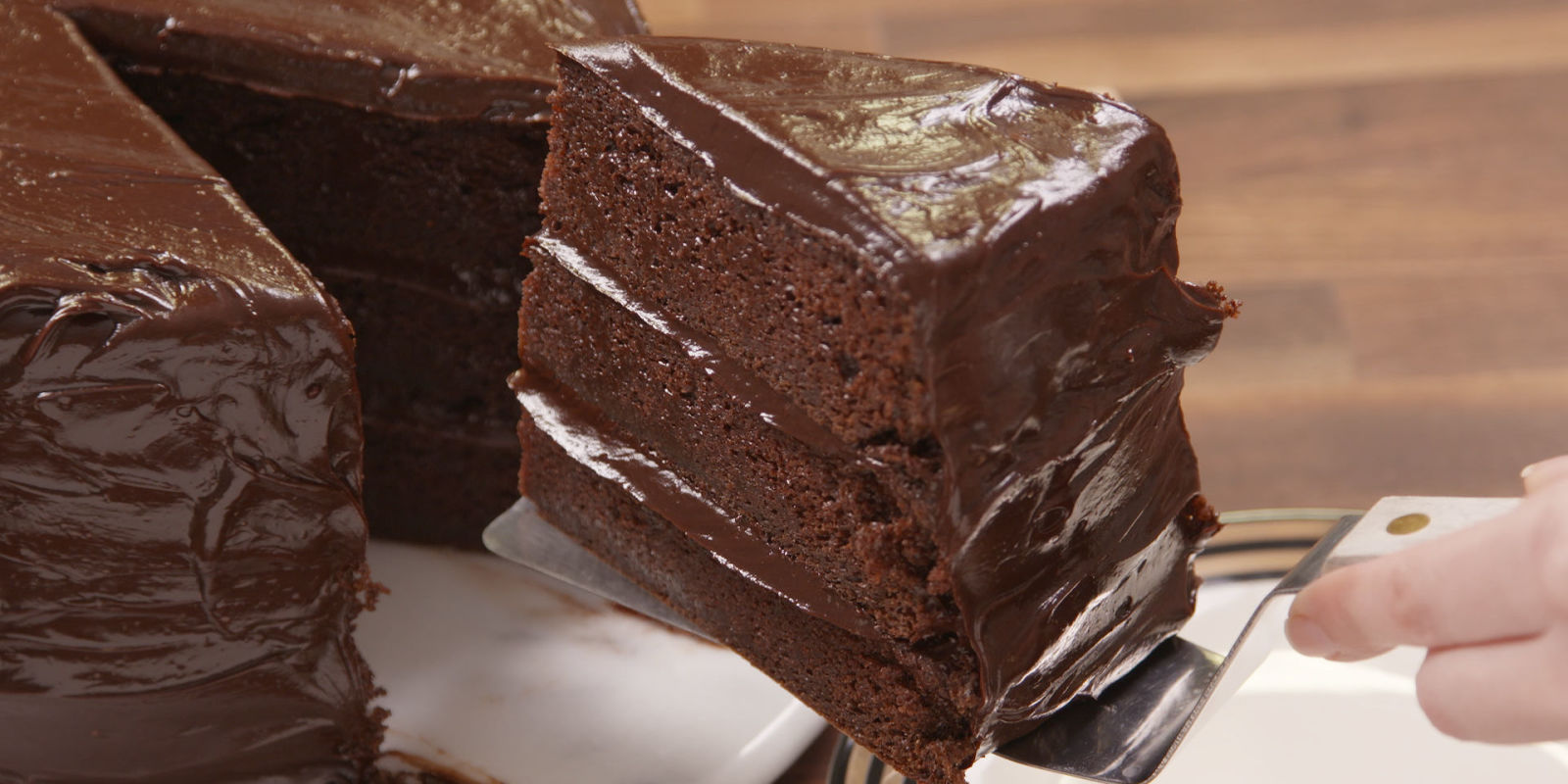 Matilda-Inspired Chocolate Fudge Cake - Best Bruce Bogtrotter Cake ...