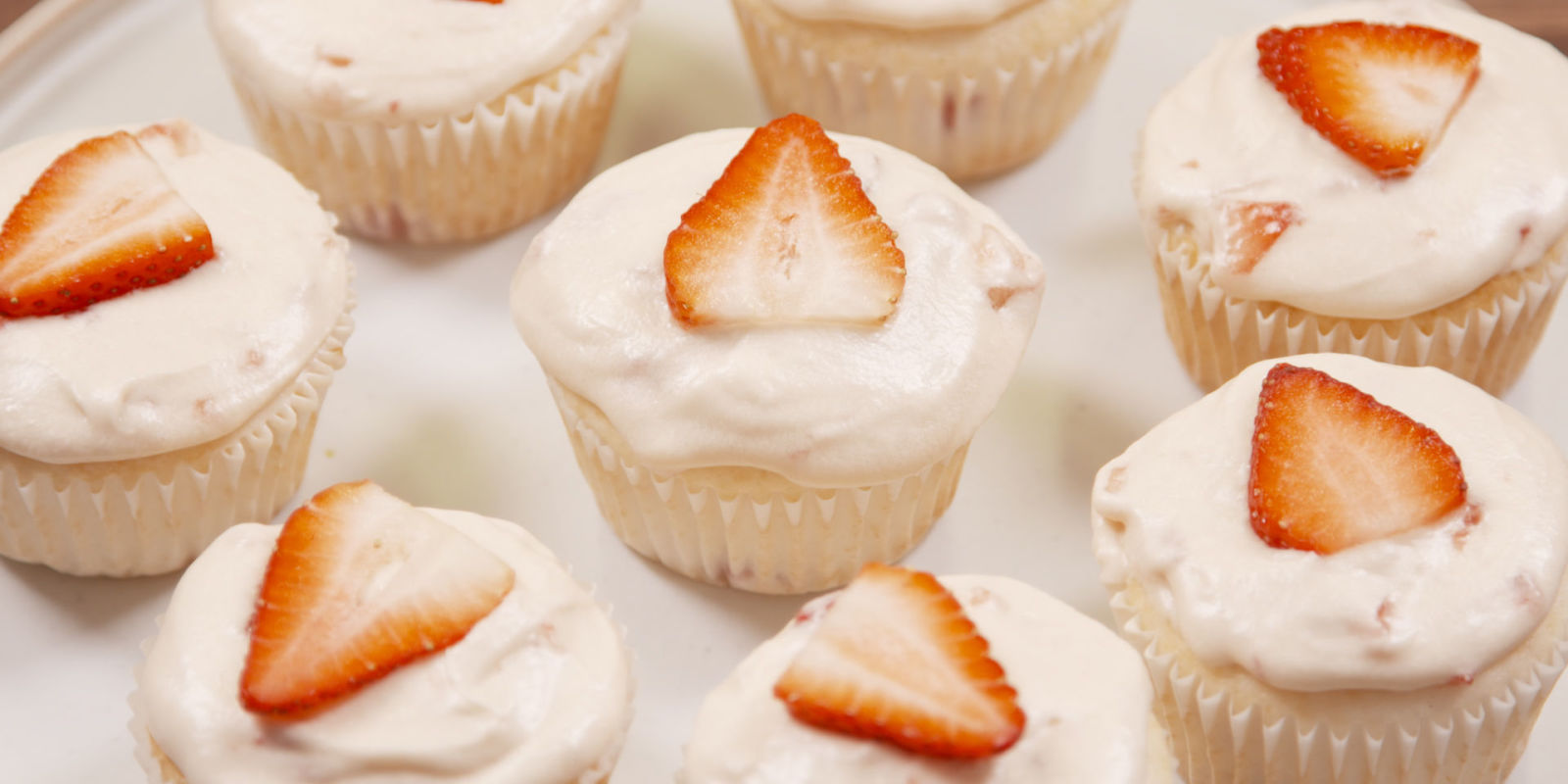 Strawberry Champagne Mimosa Cupcakes - How To Make Strawberry Cupcakes ...