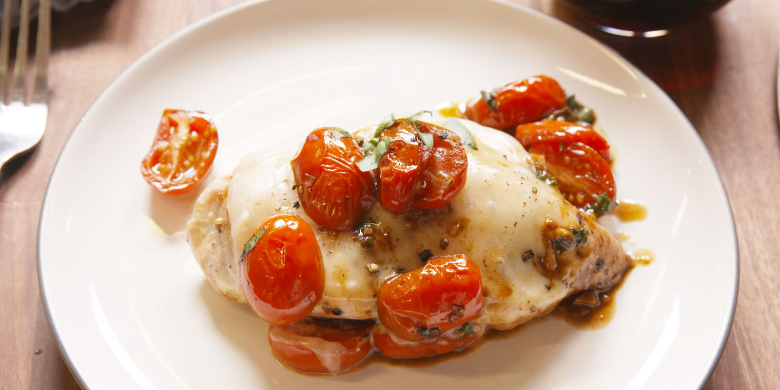 Best Caprese Chicken Recipe - How To Make Caprese Chicken