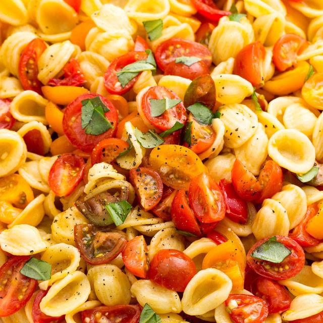 Picnic food ideas recipes for picnics delish picnic food ideas forumfinder Images