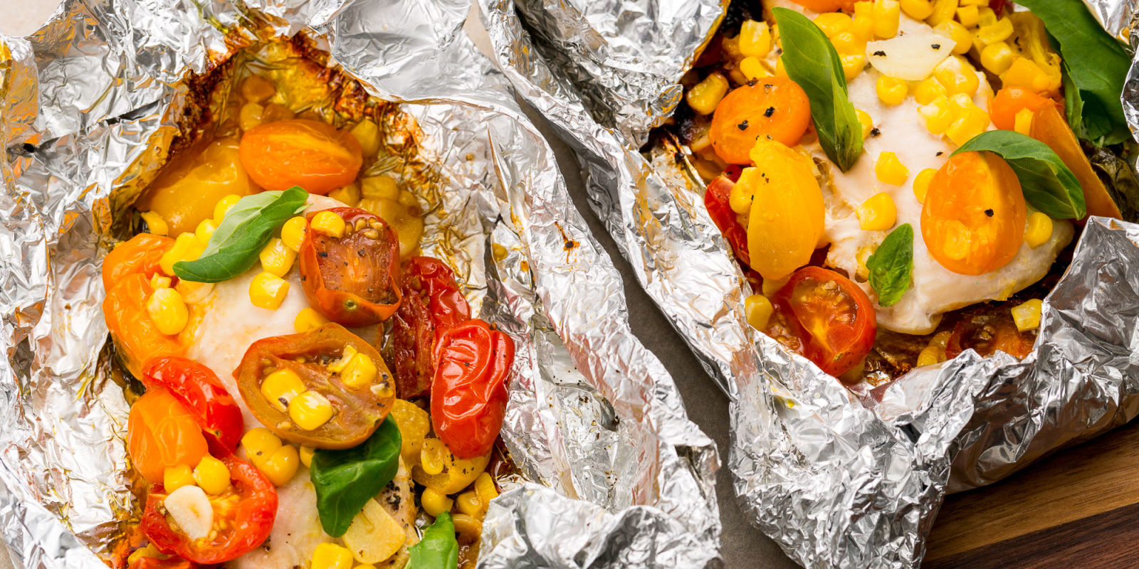 Best chicken tomatoes and corn foil pack recipe grill for Chicken and vegetables in foil packets recipe