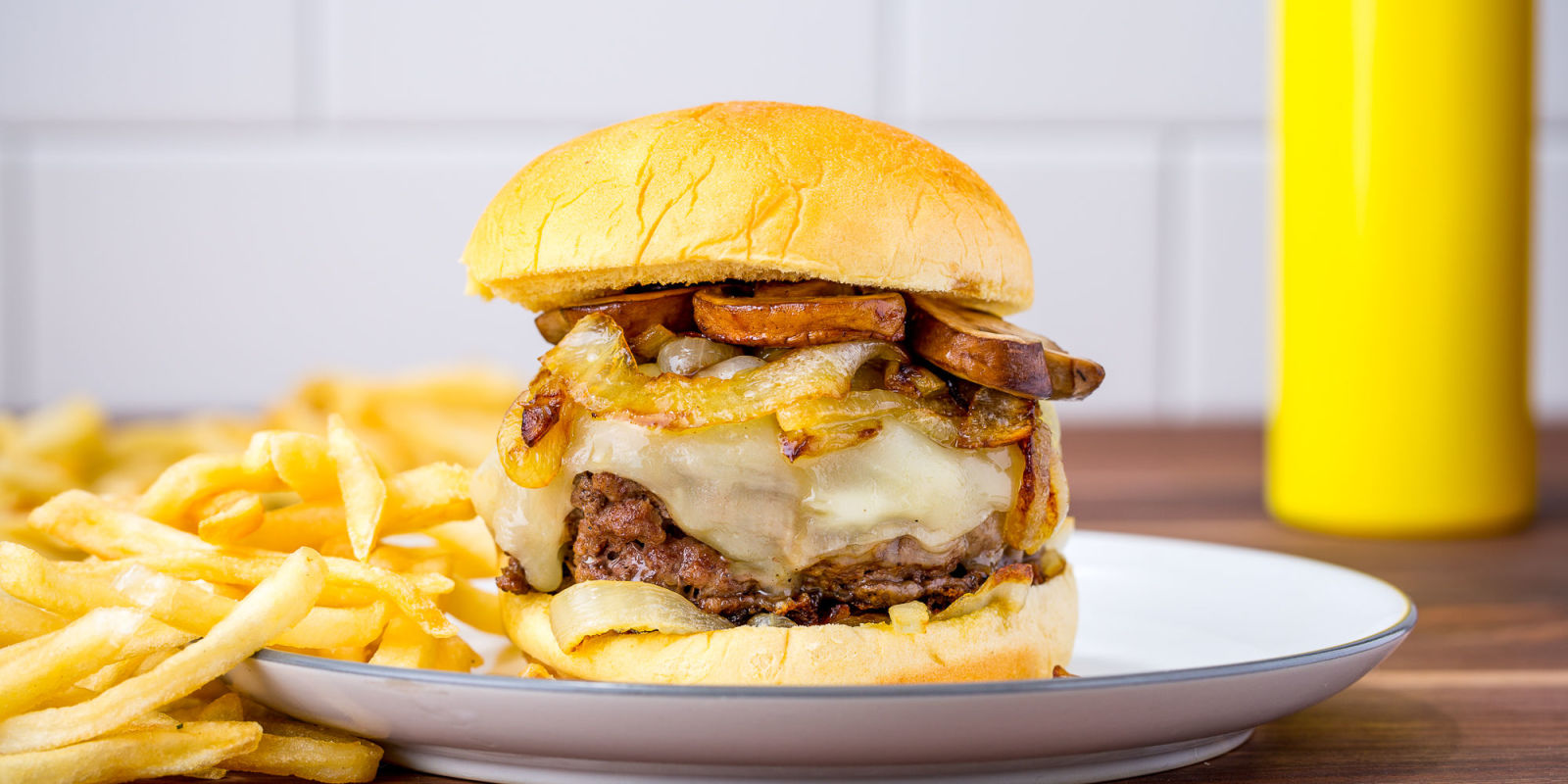 Best French Onion Soup Burger Recipe Best Burger Recipes Delish Com