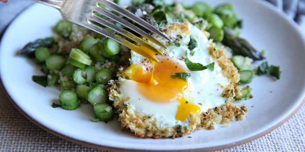 Best Asparagus Quinoa with Fried Egg Recipe - Vegetarian Recipes ...