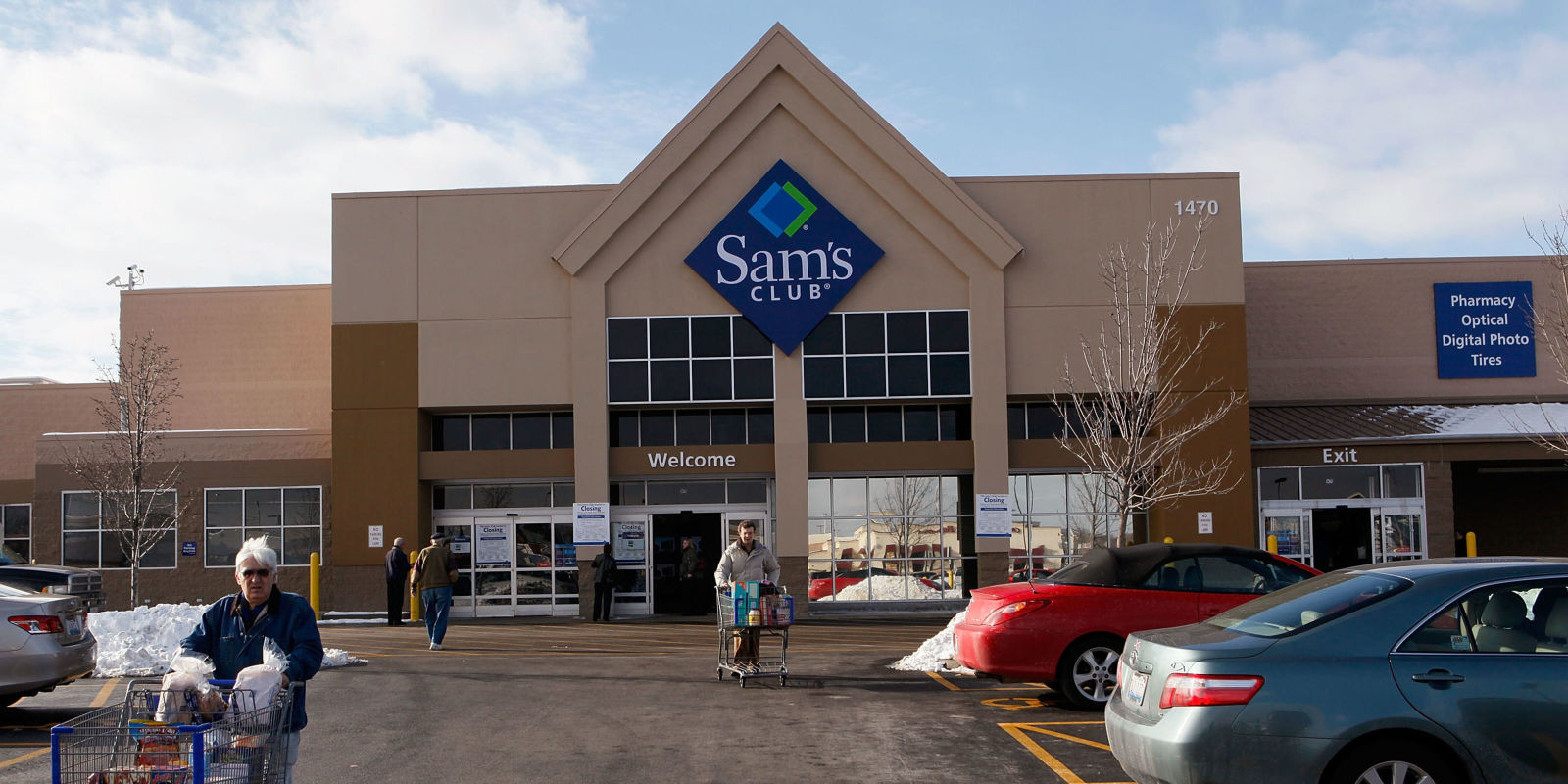 Order online and get groceries from Sam's Club delivered in two hours or less.