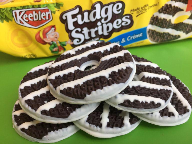 review keebler dark chocolate mint fudge stripes   junk