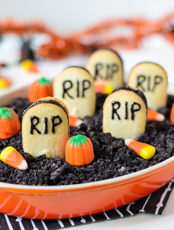 50+ Easy Halloween Desserts - Recipes for Halloween Party Dessert ...