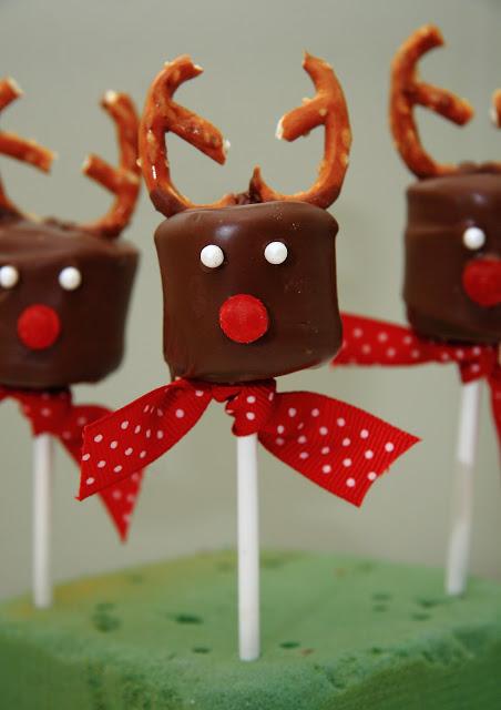 30 Cute Christmas Treats  Easy Recipes for Holiday TreatsDelishcom