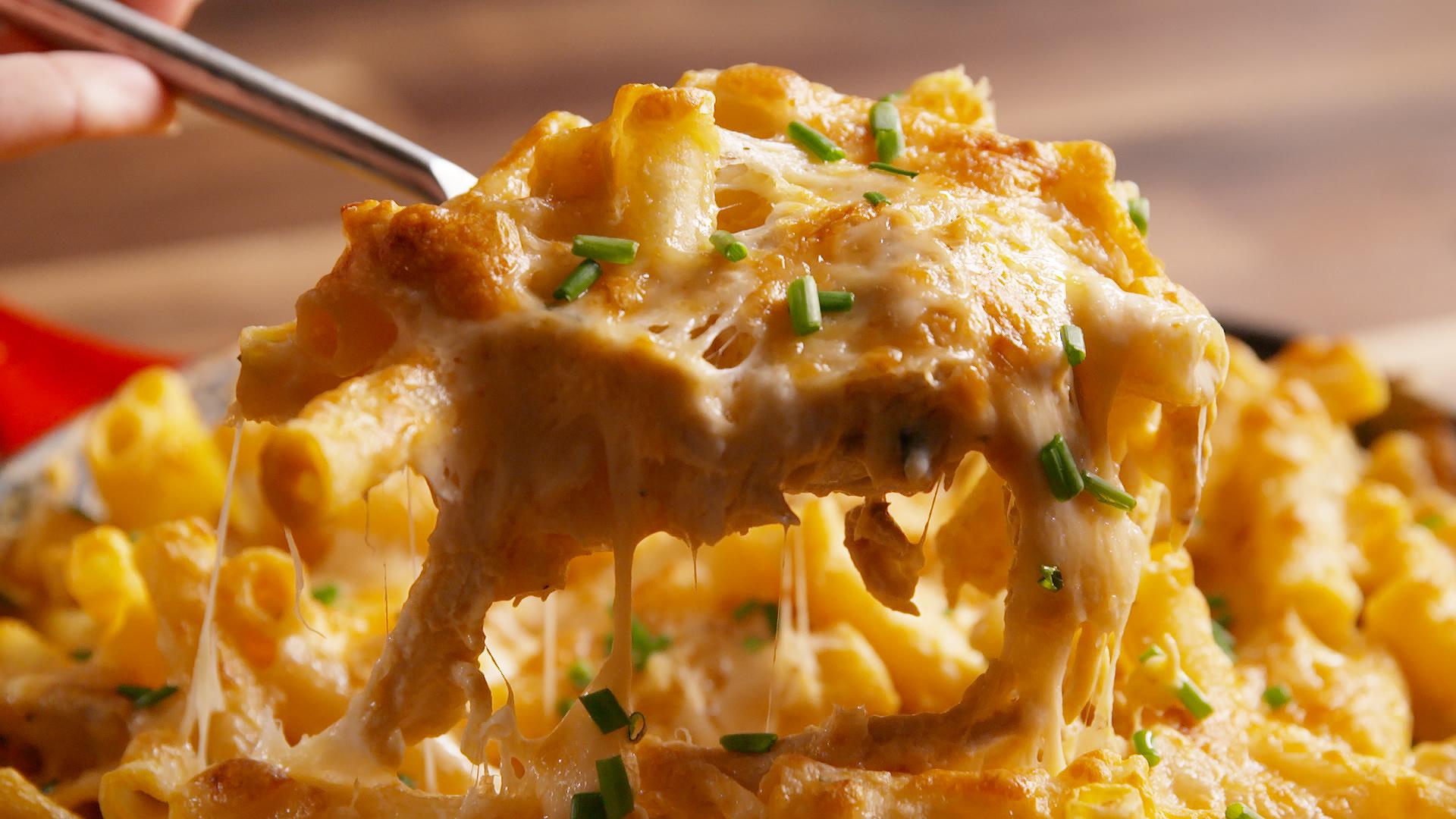 50 Easy Buffalo Chicken Recipes How To Make Buffalo Chicken Delish Com