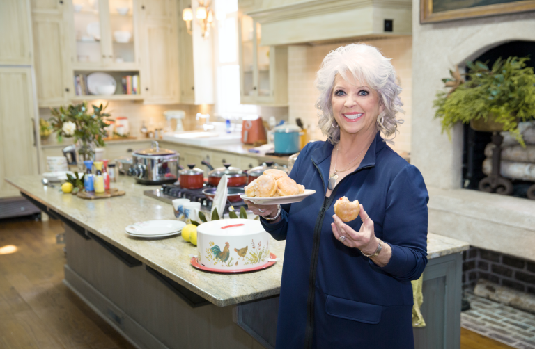 Paula Deen Kitchen | Paula Deen S New Show Is Unlike Anything You Ve Seen Before
