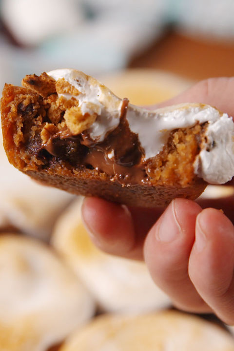 S'mores Cookie Cups Vertical