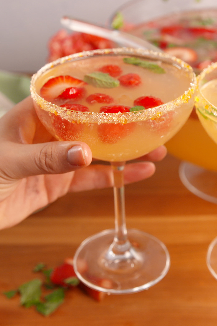 14 Best Easter Cocktails - Recipes for Alcoholic Spring ...