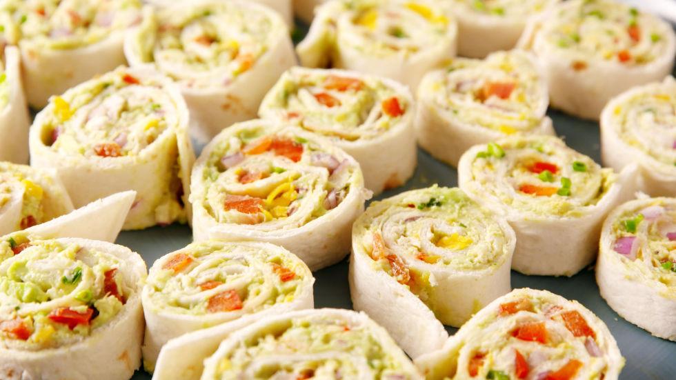 30 healthy picnic recipes healthy picnic food ideas delish chicken avocado roll ups forumfinder Images