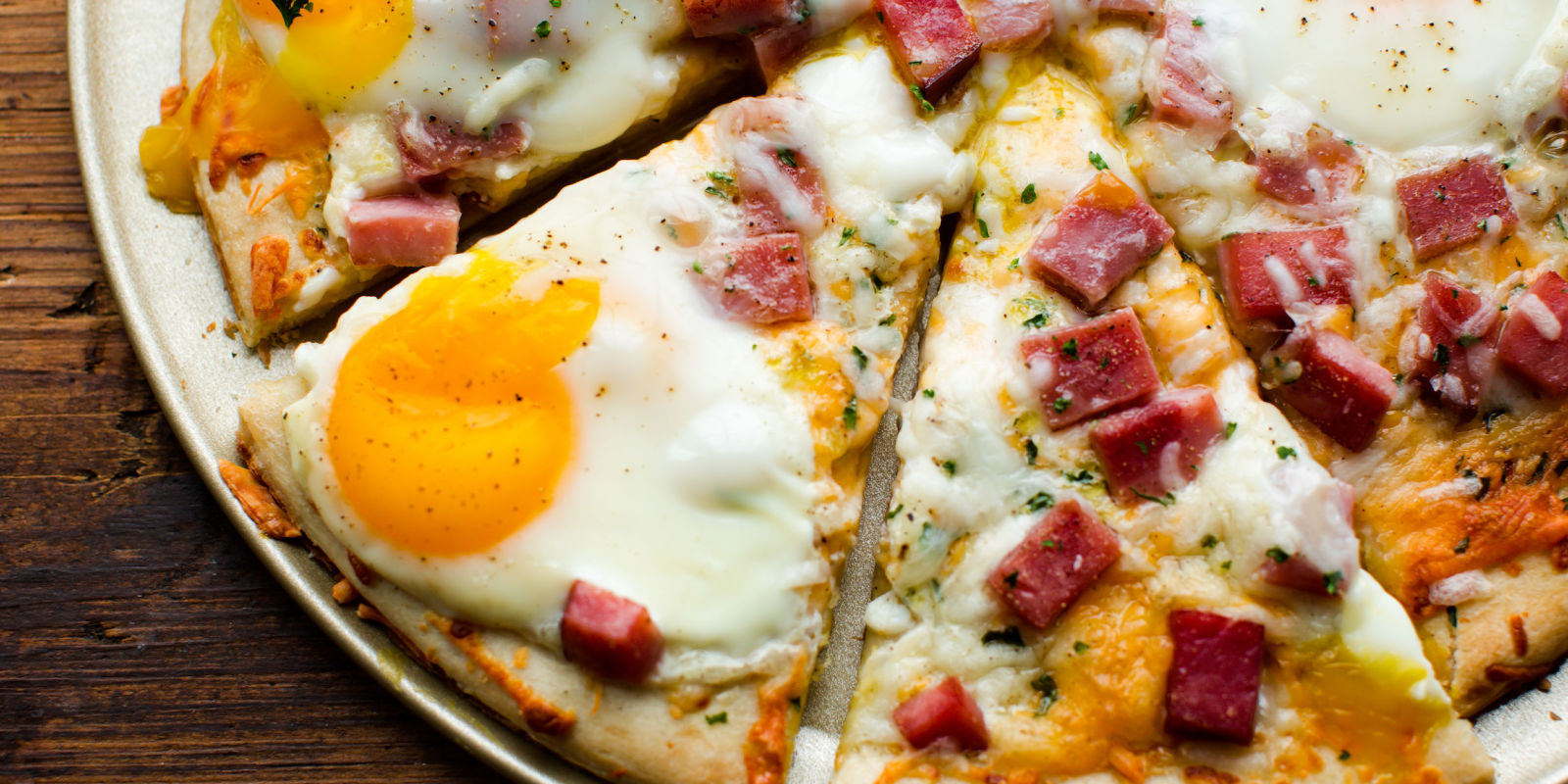 Best Ham, Egg, & Cheese Breakfast Pizza Recipe-How To Make Ham, Egg, & Cheese Breakfast Pizza ...