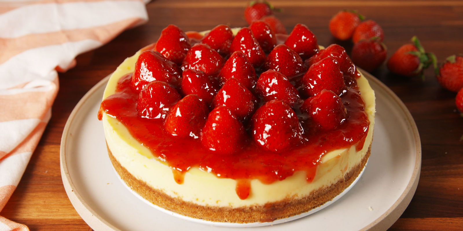 Easy Strawberry Cheesecake Recipes - How to Make Strawberry Cheesecake ...