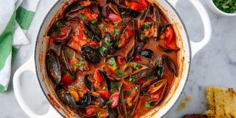Mussels with Tomatoes and Garlic Horizontal