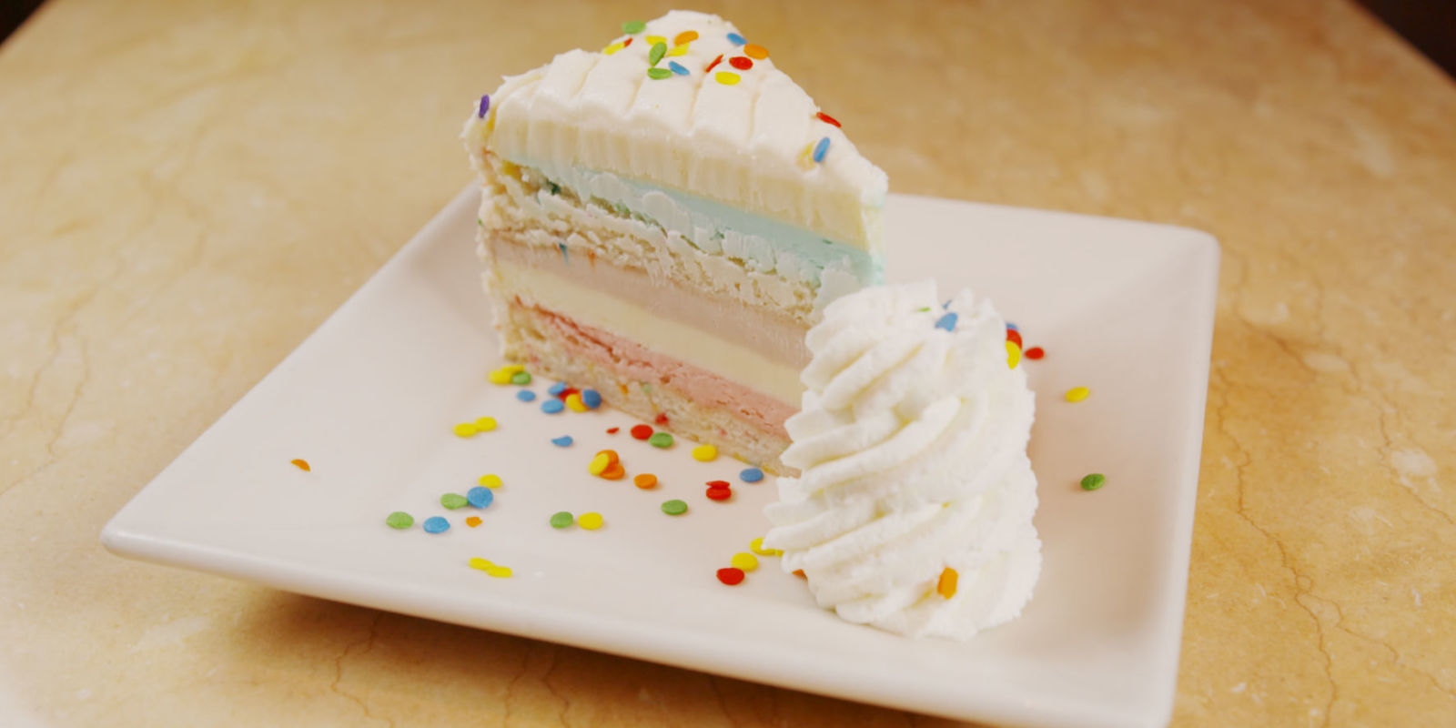 Can You Handle The Cheesecake Factory's 10 Hottest Cheesecakes?