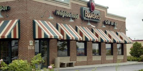 Applebee's restaurant street view
