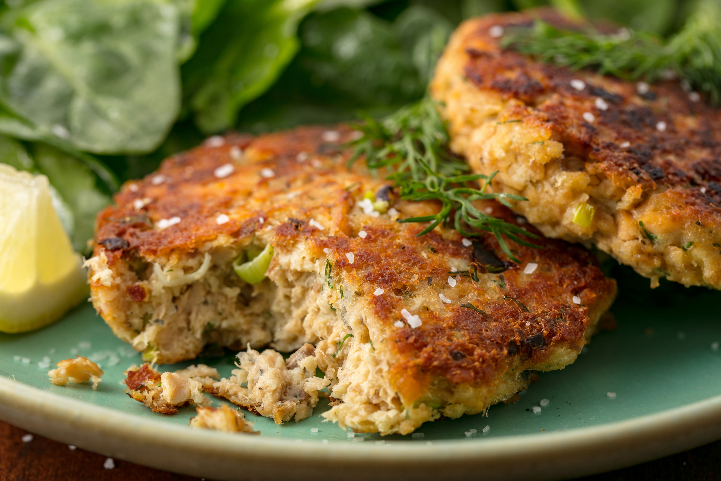 how to cook salmon patties on the stove