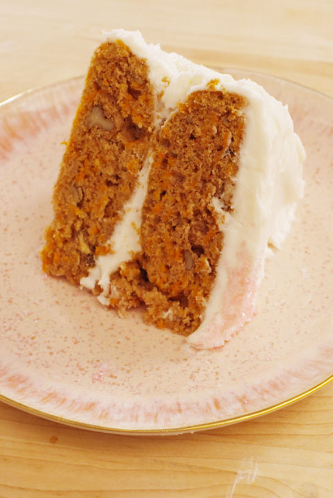 Candace Cameron Bure tried her hand at making her ultimate birthday dessert — carrot cake — using one of our favorite recipes.Get the recipe from TheNextTycoon.