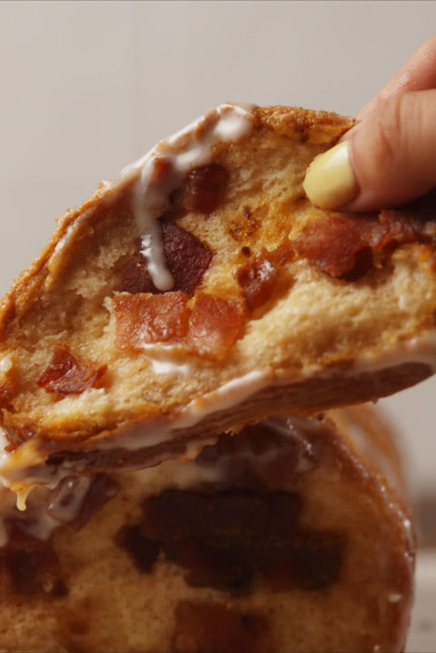 Best Maple Bacon Pull-Apart Bread Recipe - How to Make ...