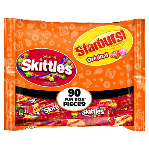 $8 for 90-piece bag BUY NOW Because not everyone is a full-blown choc-a-holic, fruity and chewy treats like Skittles or Starburst are a tasty bite-sized alternative. If your audience prefers tart over savory, this 90-piece variety pack is for you.