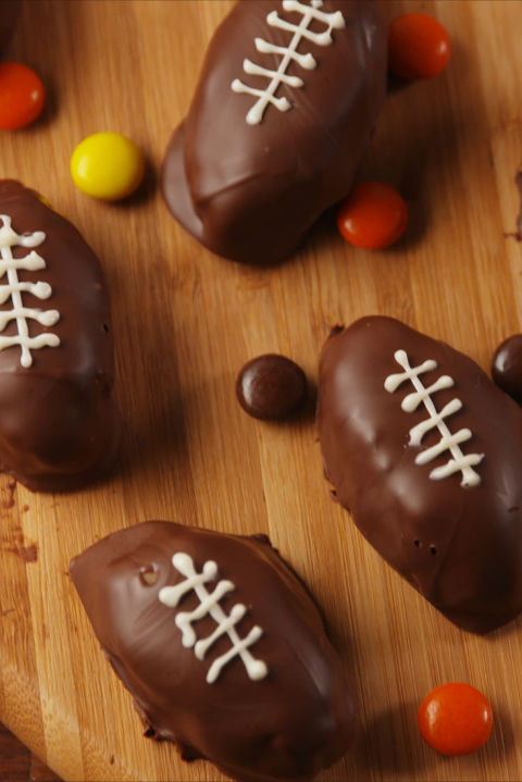 A perfect game day potluck dessert recipe. Get the recipe fromDelish. BUY NOW: Glass Mixing Bowl Set, $16.50,.