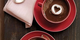 Are you feeling softhearted this Valentine's Day? Reach for some marshmallows and transform them into confections of affection.Recipe: Hot Chocolate with Marshmallow Hearts