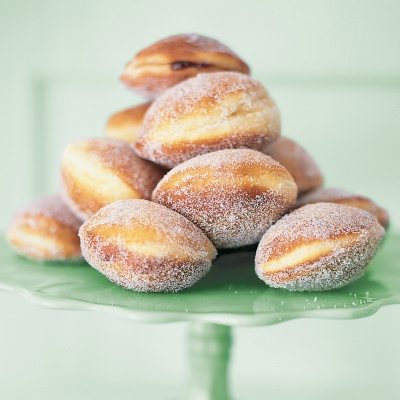 Holiday food traditions holiday foods from around the world israel sufganiyot forumfinder Gallery