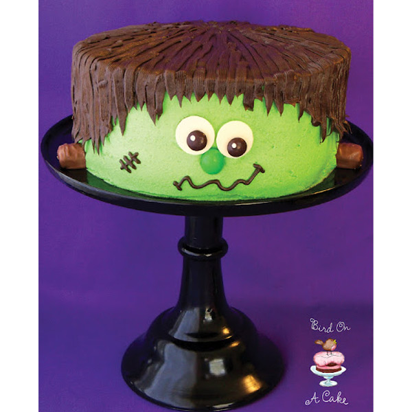 20 easy halloween cakes recipes and ideas for decorating halloween cake delishcom - Easy Halloween Cake Decorating Ideas