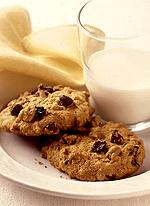 Chewy Chocolate Chip Oatmeal-Raisin Cookies